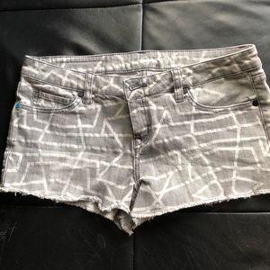 Hurley shorts gray/white  size 29